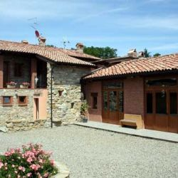 borgo dell'Agriturismo Corte del Gallo - Val Trebbia - Piacentino